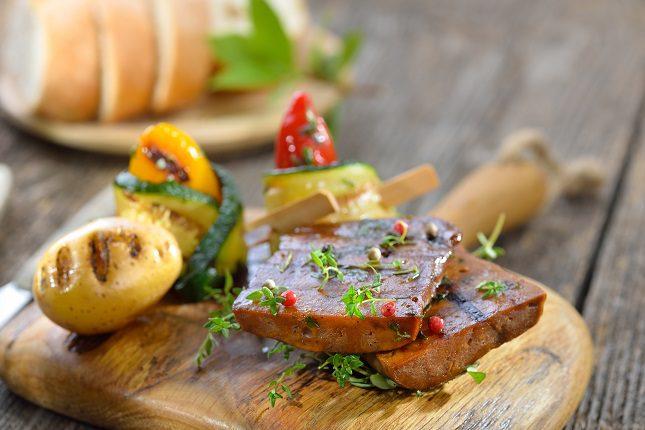 El tofu, el seitán, los champiñones o la jaca son el superalimento de la temporada.