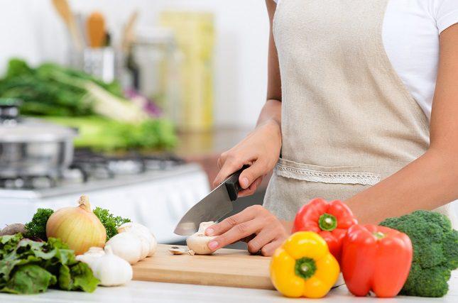 La mayoría de las carnes que ya están cocinadas pueden durar en el congelador de dos a seis meses