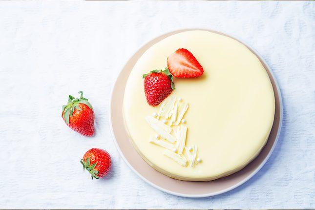 La tarta de chocolate blanco es un a buena idea para sorprender a tus invitados