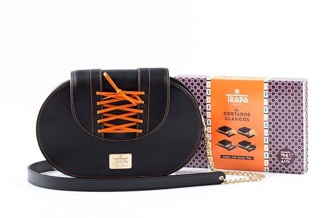 El bolso contiene una selección de cortados Trapa Avellana, Café, Naranja y Trufa.